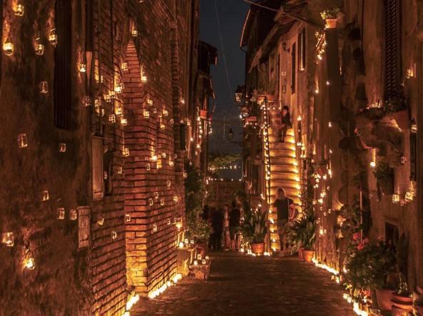 Candele Da Esterno Roma : La notte delle mila candele vallerano in festa con le